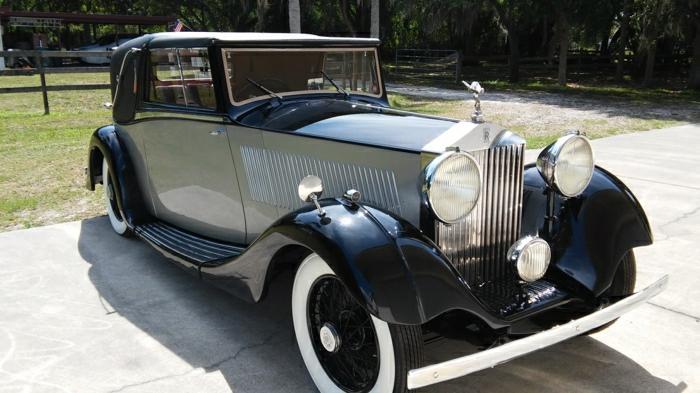 vintage-auto-schwarz-weiße-elemente-resized