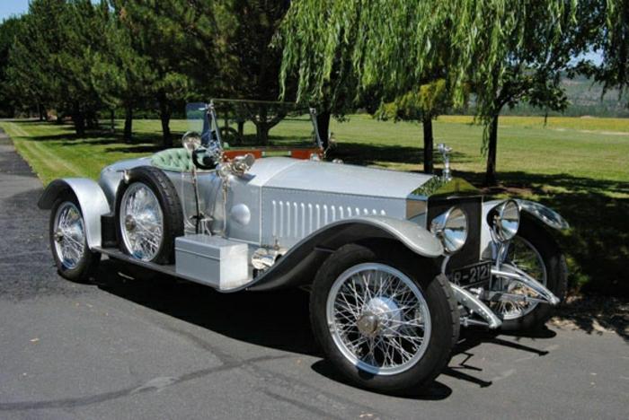 vintage-auto-silber-rolls-royce-resized