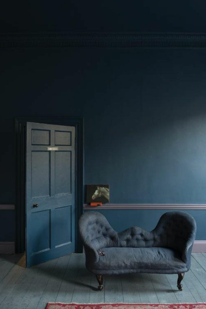 wandfarbe-blau-dunkle-super-schicke-gestaltung