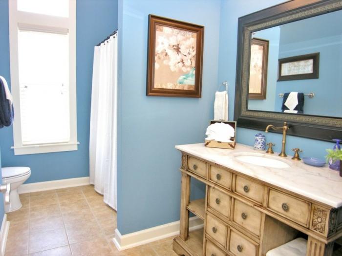 wandfarbe-blau-großer-spiegel-tolles-interieur