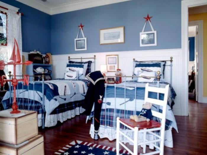 wandfarbe-blau-wunderschönes-kleines-schlafzimmer