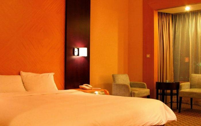 wanfarben-kombinationen-romantisches-schlafzimmer