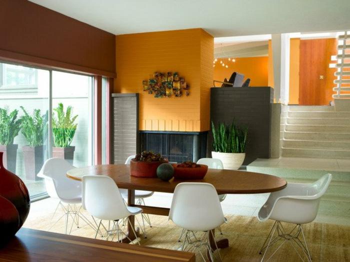 wanfarben-kombinationen-weiße-stühle-modernes-zimmer