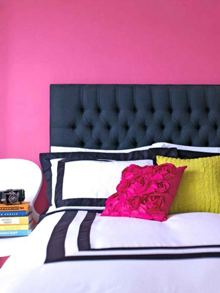 wanfarben-kombinationen-zyklamenfarbe-wunderschönes-schlafzimmer