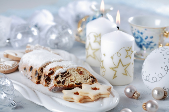 Weihnachten-Deko-Ideen-Tischdekoration-Kuchen-weiße-Kerzen