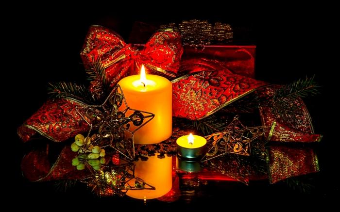 weihnachtsdeko-basteln-Kerzen-Stern-Bänder