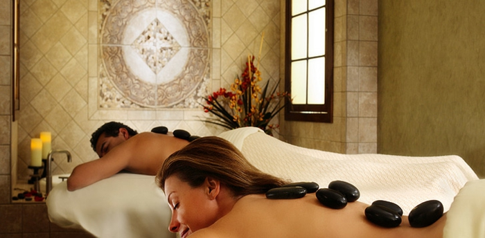 wellness- wochenende-einmaliges-ambiente-massage