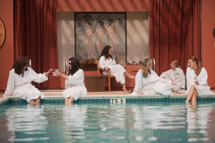 wellness- wochenende-schöner-pool