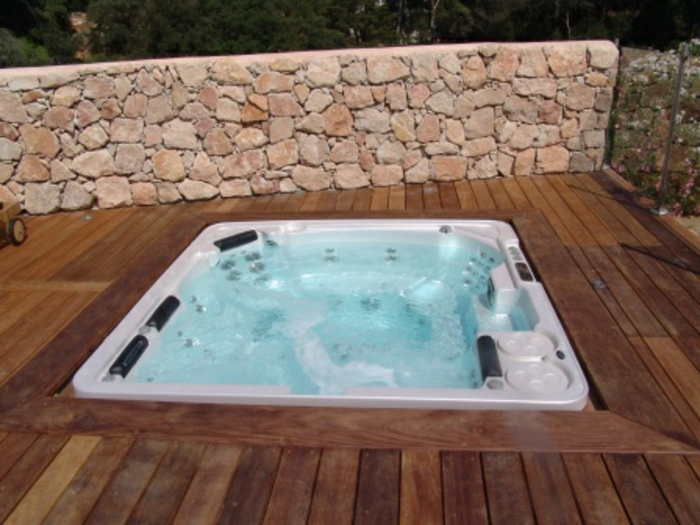 whirlpool f r dachterrasse einige wellness vorschl ge. Black Bedroom Furniture Sets. Home Design Ideas