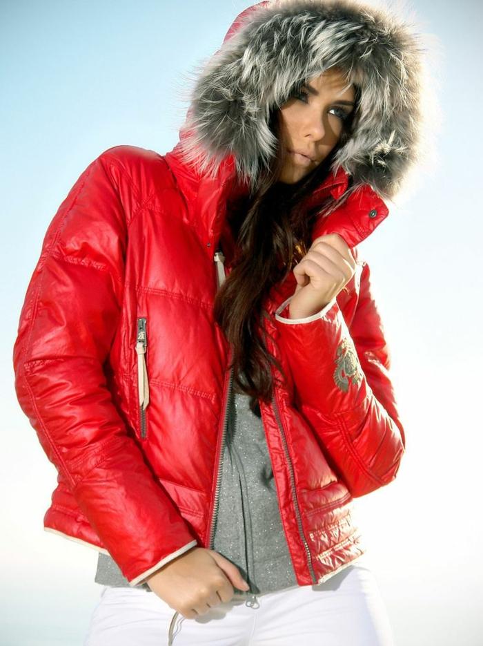 winterjacken-für-damen-wunderschönes-rotes-modell
