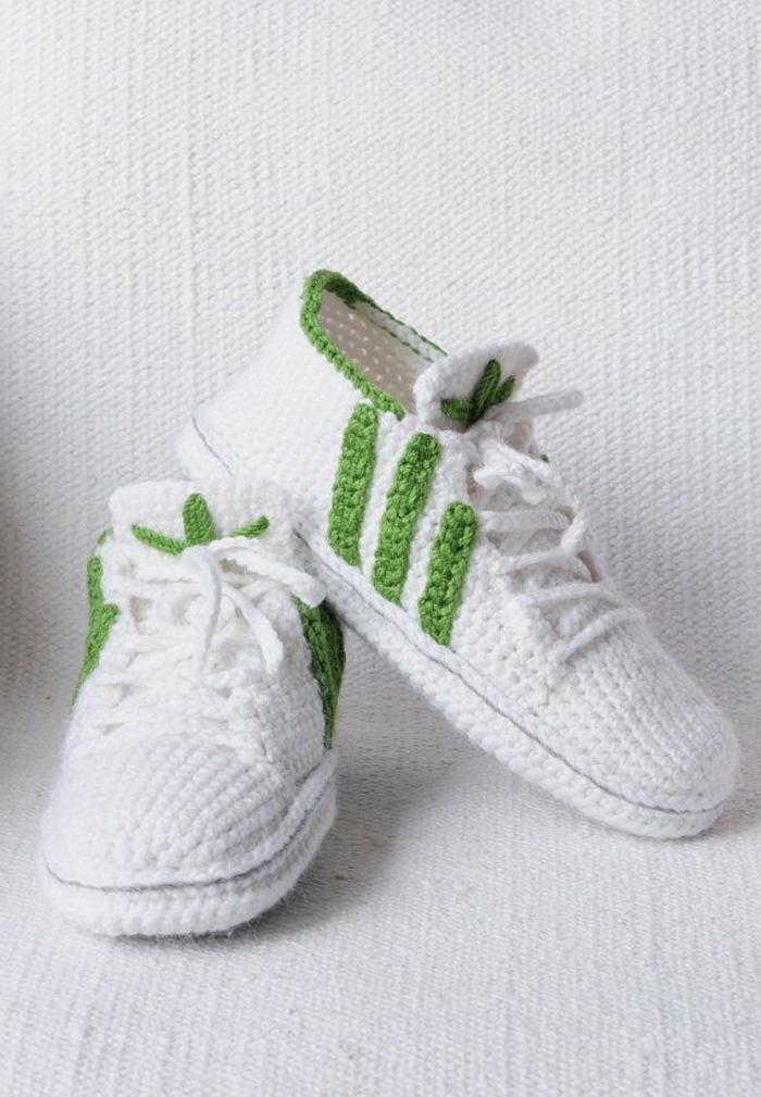 Adidas inspirierte Crochet Hausschuhe – wir finden die Idee super ...