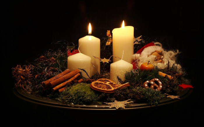 wunderschöne-Zusammensetzung-Tischdekoration-Weihnachten-Deko-Ideen