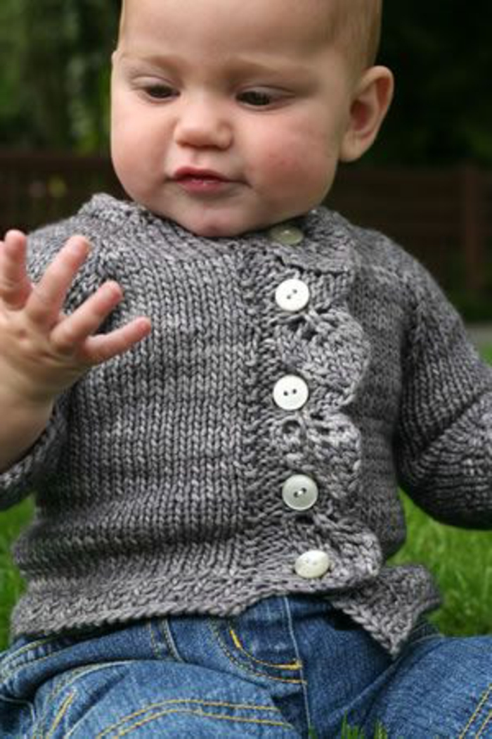 Baby-Pullover-stricken-grau-robust