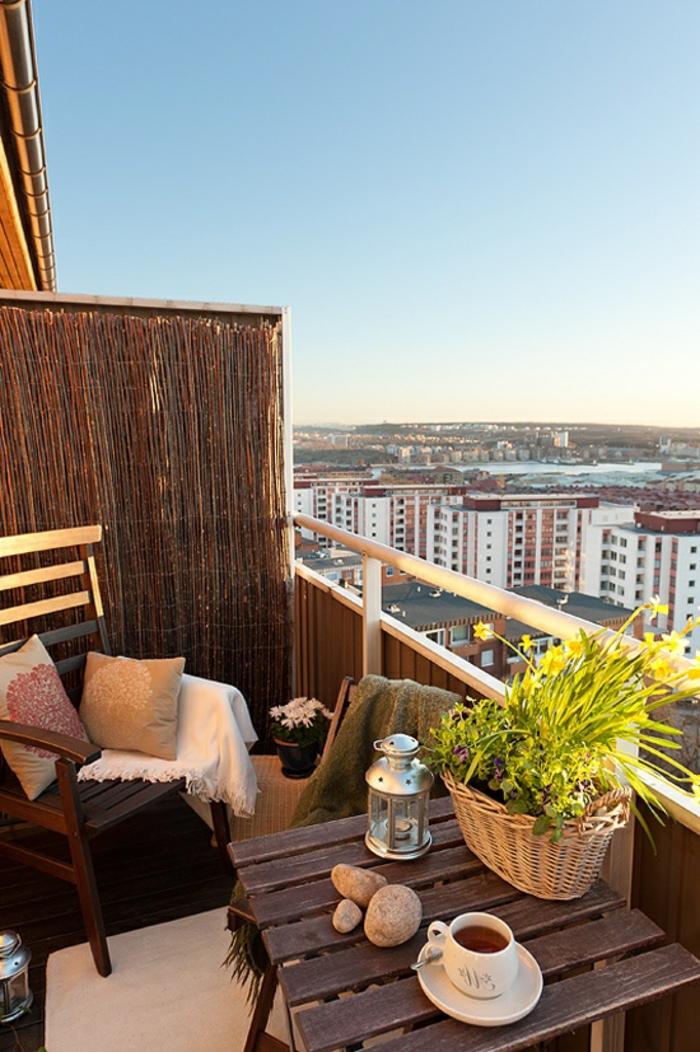 Balkon-Morgen-Kaffee-Tischdekoration-Landhausstil
