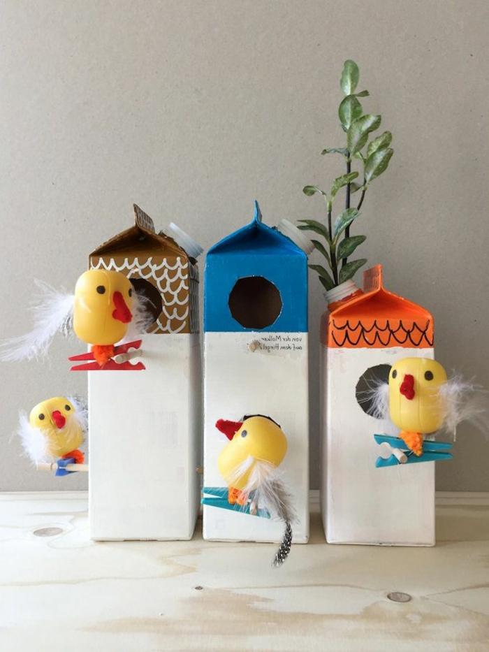 DIY-Idee-Deko-Vogelhaus-Milch-Schachtel-Hühnchen-Wäscheklammer