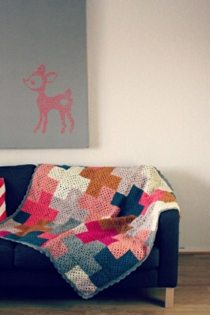Charmant Decken Häkeln Blau Couch Grau Blid Darüber Resized