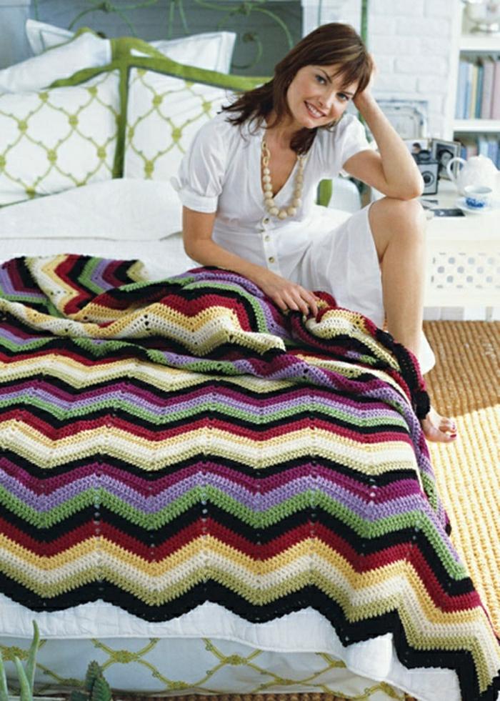 Decken-häkeln-gemütliches-schlafzimmer-schaffen-resized