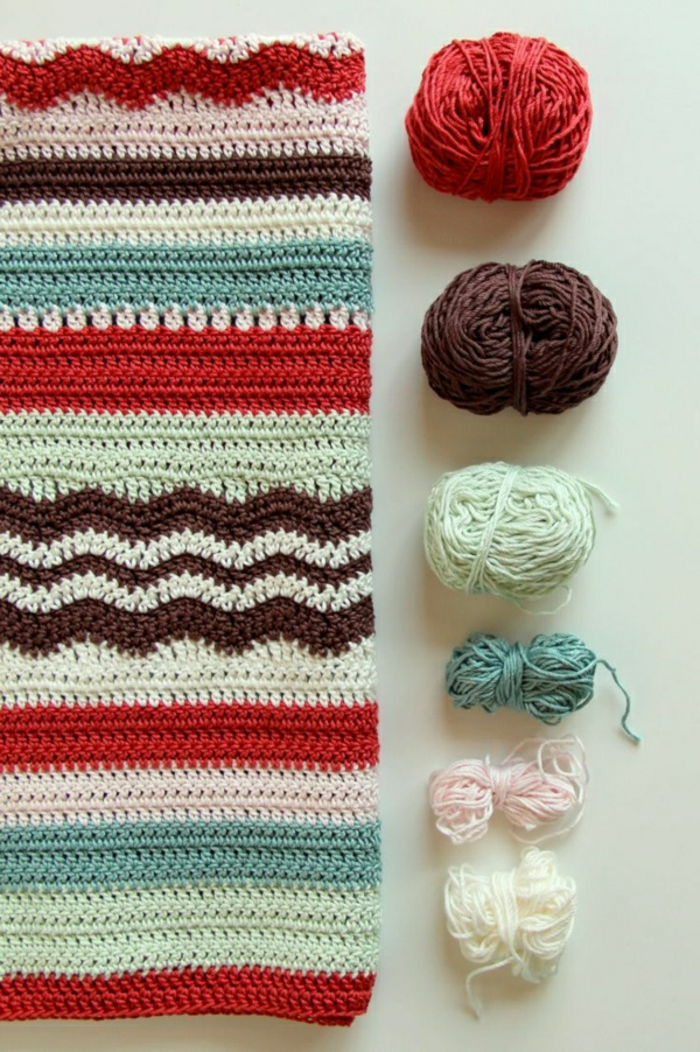 Decken-häkeln-rot-braun-und-grün-resized