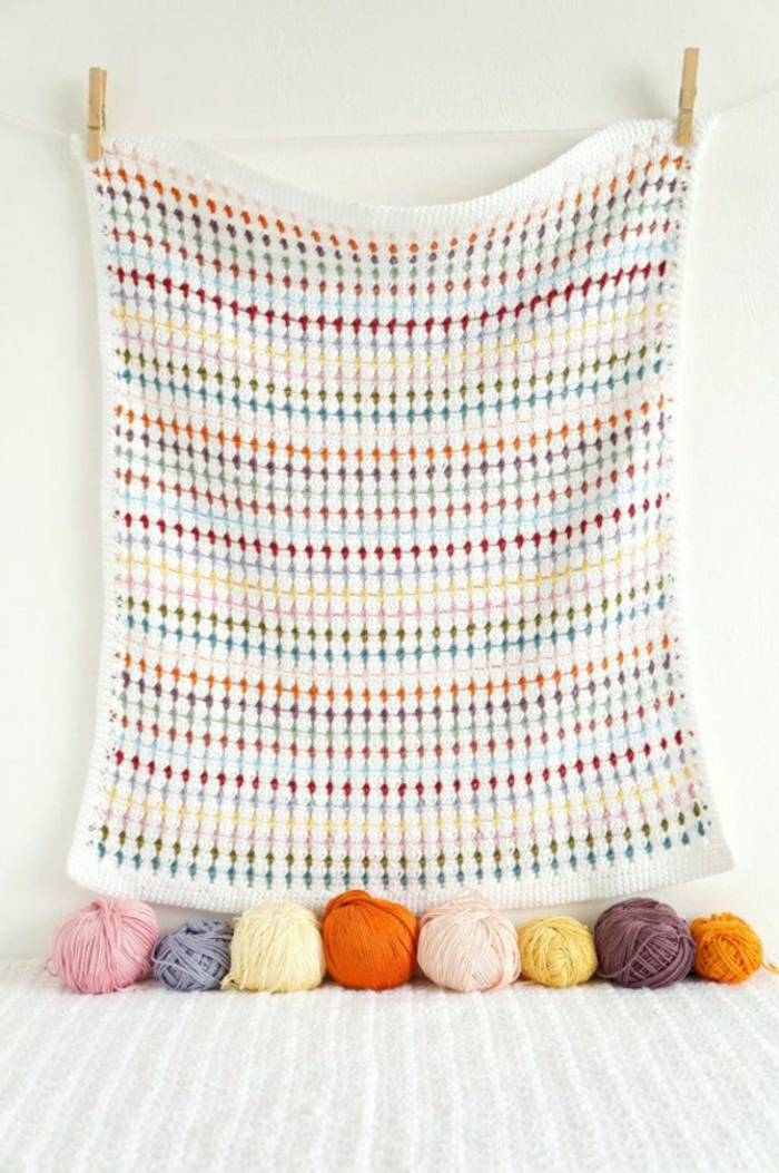 Decken-häkeln-und-aufhängen-bunt-resized