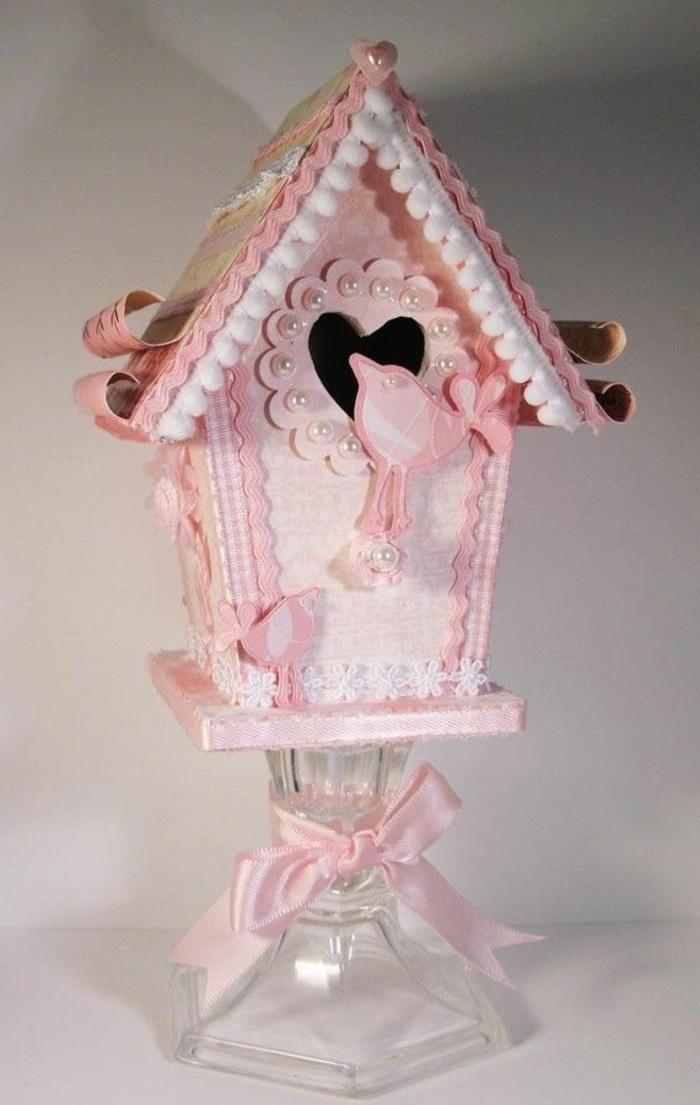 Deko-Vogelhaus-pink-Perlen-Bänder