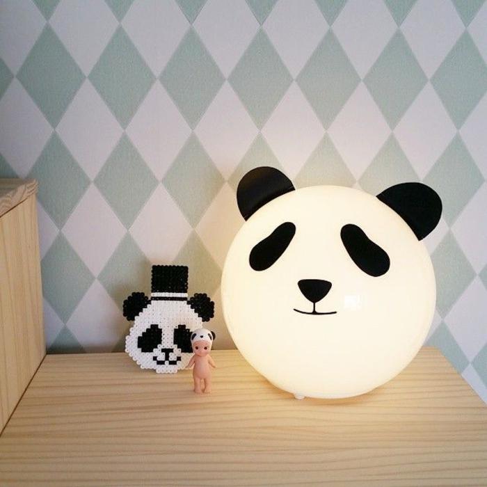 Designer-Leuchten-fürs-Kinderzimmer-leuchtender-Panda