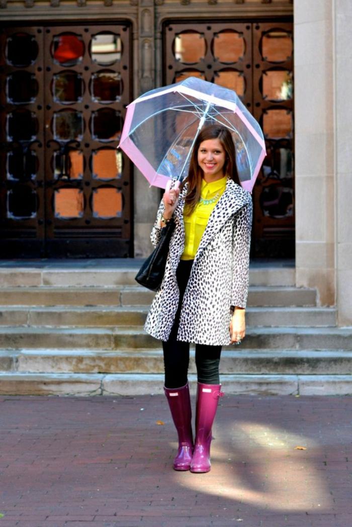 Durchsichtiger-Regenschirm-rosig-kanten-rosig-regenschuhe