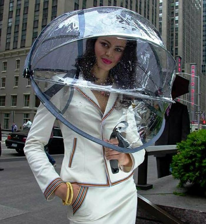 Durchsichtiger-Regenschirm-super-originell