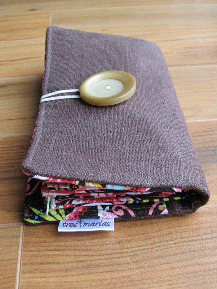 Frauen-Modell-Geldbörse-Textil-Knopf