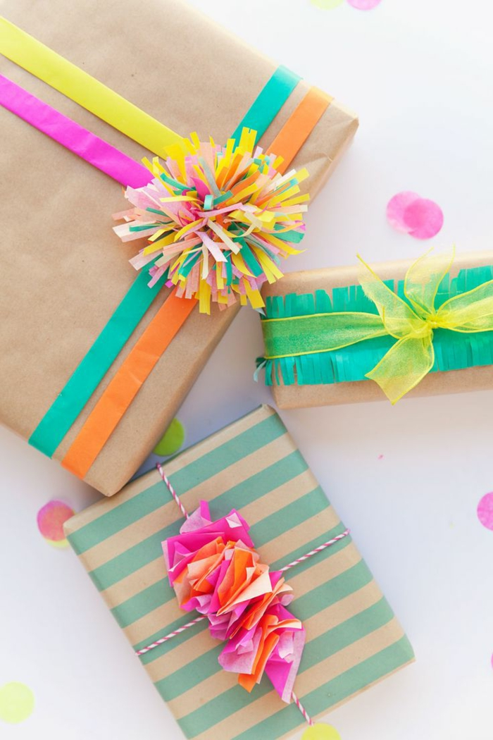 Geschenke-verpacken-Taschentuch-Dekoration-bunt-lustig-kreativ