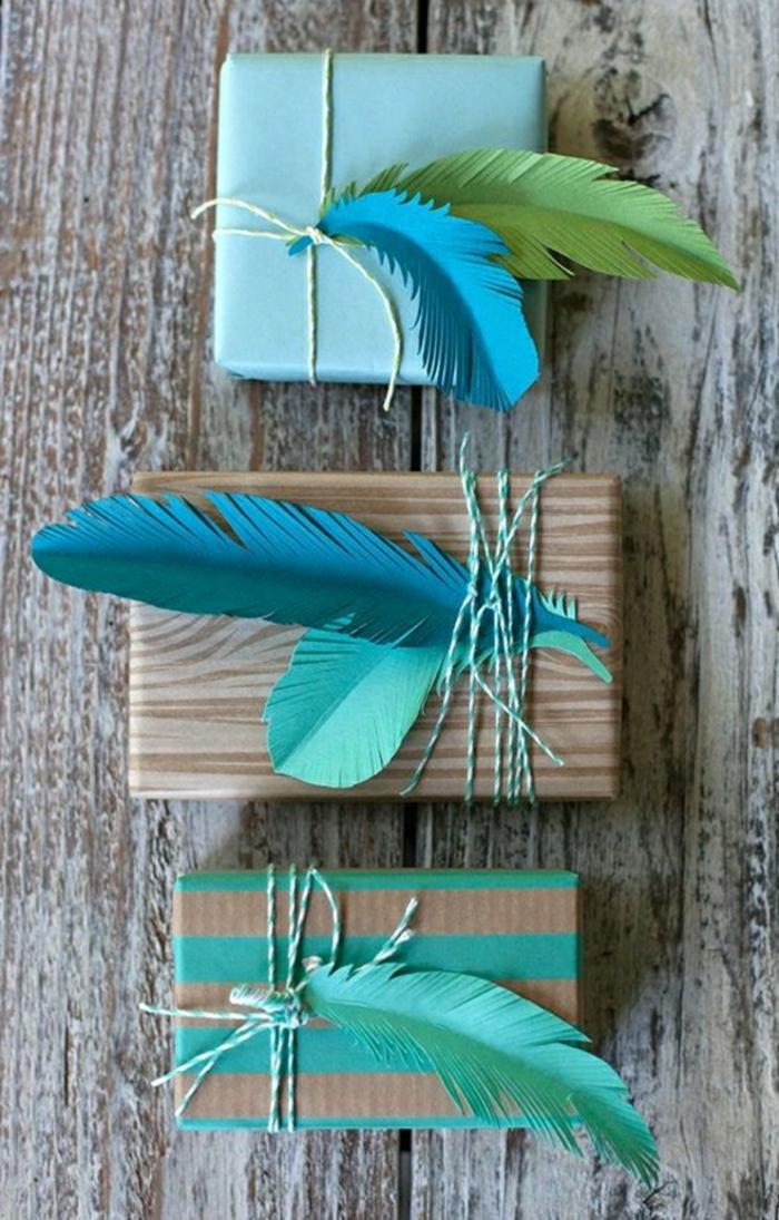 Geschenke-verpacken-herrliche-Dekoration-Federn-Aqua-Nuancen