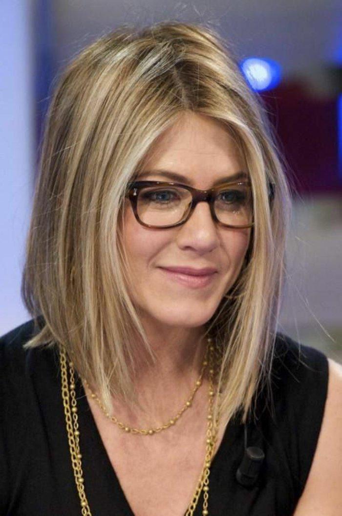 Jennifer-Aniston-hornbrille-elegantes-Modell
