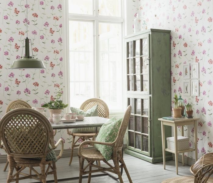 Küche-Esszimmer-schöner-wohnen-tapeten-romantisches-Muster-florale-Motive