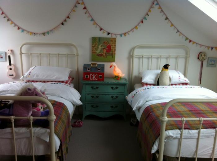 Kinderzimmer-Mädchen-vintage-Möbel-Betten-Kommode