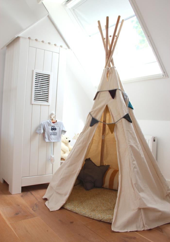 Kinderzimmer-indianisches-Zelt-Tipi-originelle-Idee