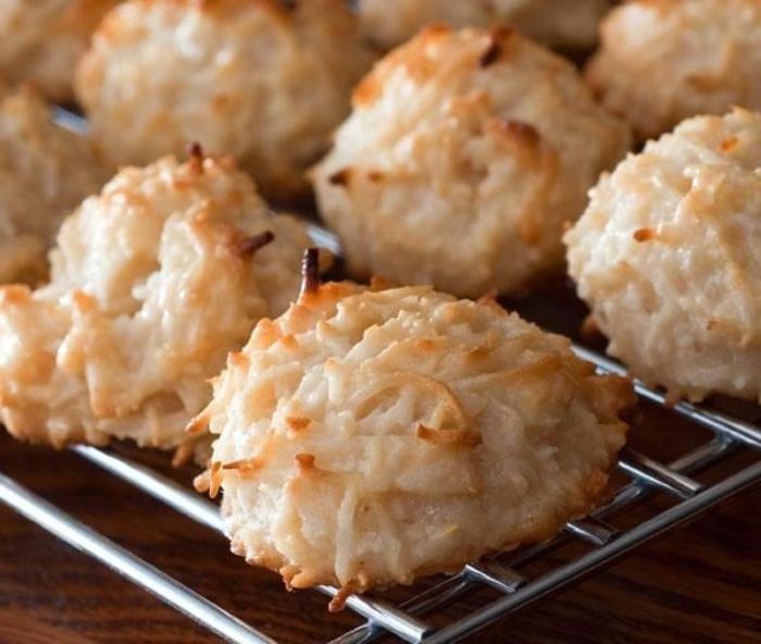 Kirsche-Kokosnuss-Makronen-süßigkeiten-ohne-zucker