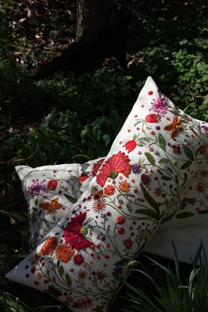 Kissenbezug-mit-Frühlingsblumen-Muster-herrlich-frisch