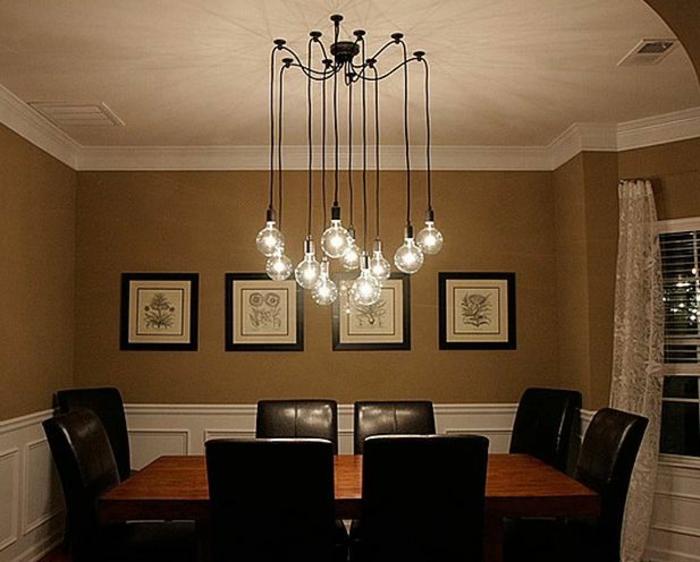 Lampe-Glühbirnenform-über-dem-esstisch