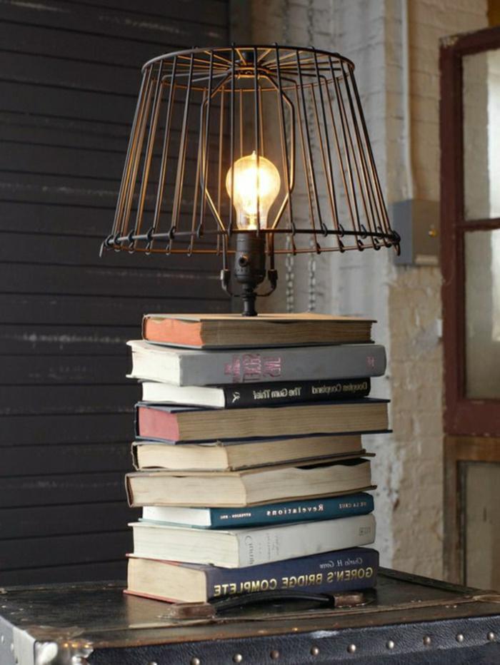 Lampe-Glühbirnenform-originell-gestaltet