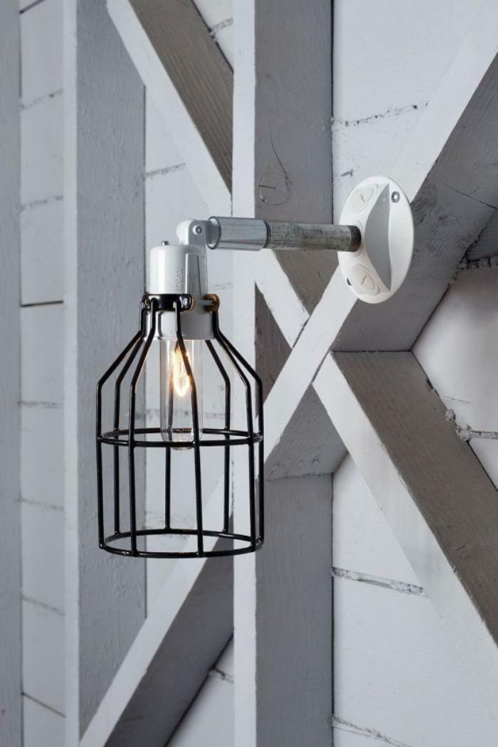 Lampe-Glühbirnenform-schwarz-metall