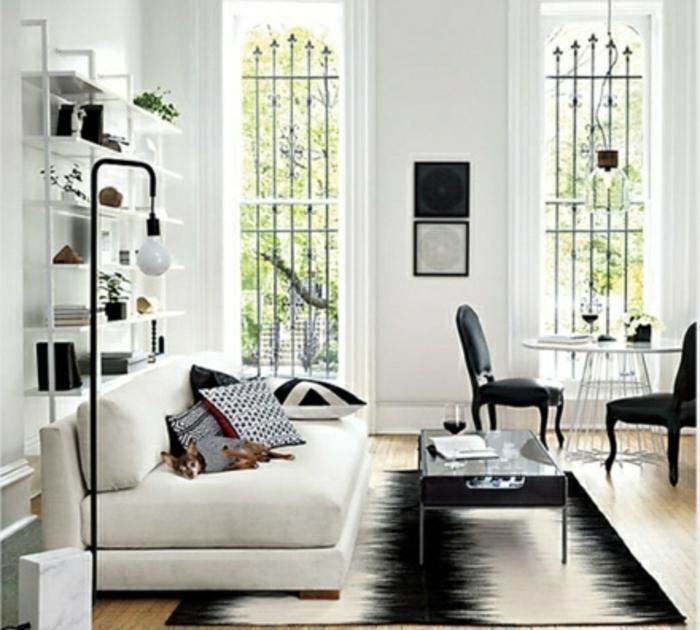 Lampe-Glühbirnenform-schwarz-weiß-stehlampe