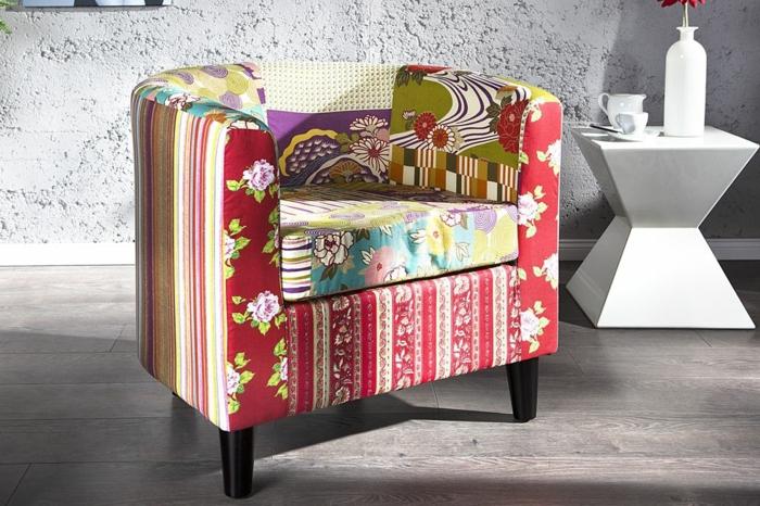 Sessel-lustiges-Muster-frische-Farben-Streifen-Blumen-kreatives-Design-weißer-Kaffeetisch-innovatives-Design