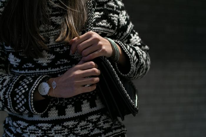 Norweger-Pullover-gestrickt-schwarz-weiß
