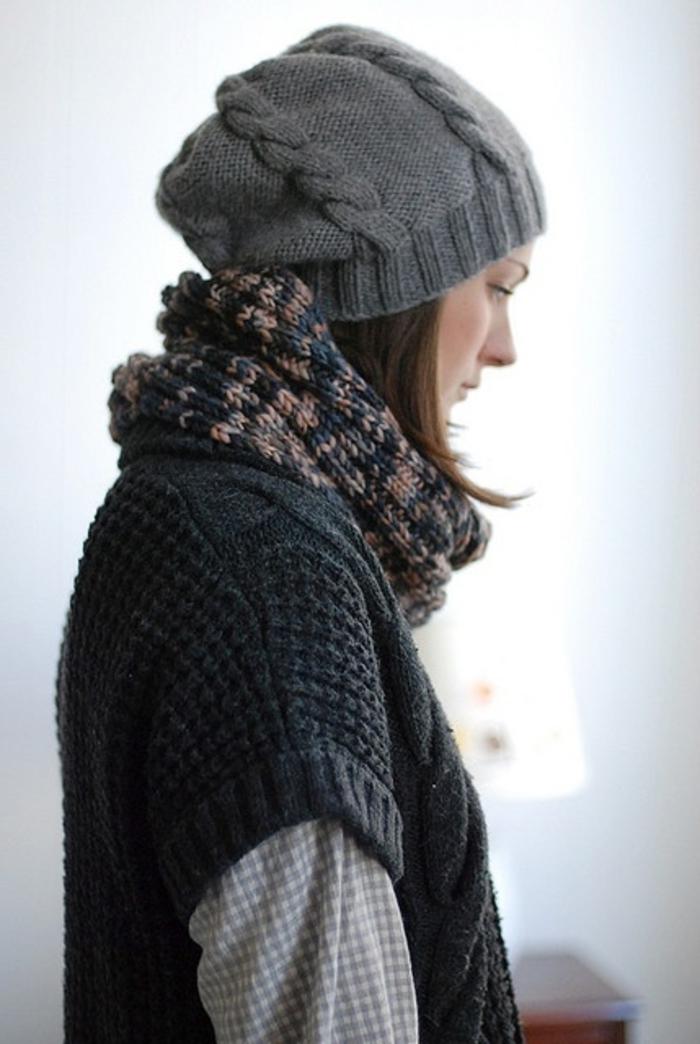 Norweger-Pullover-grau-mit-schall
