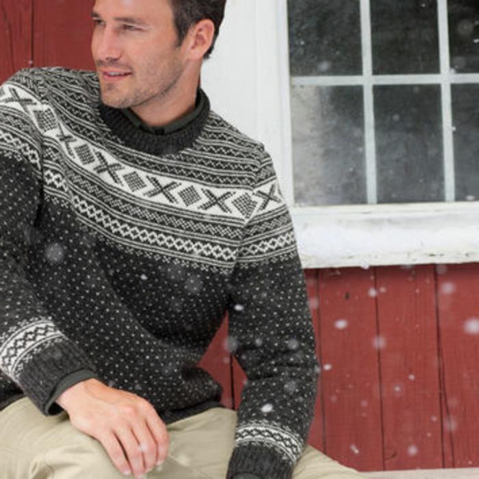 Norweger-Pullover-herren-im-schnee