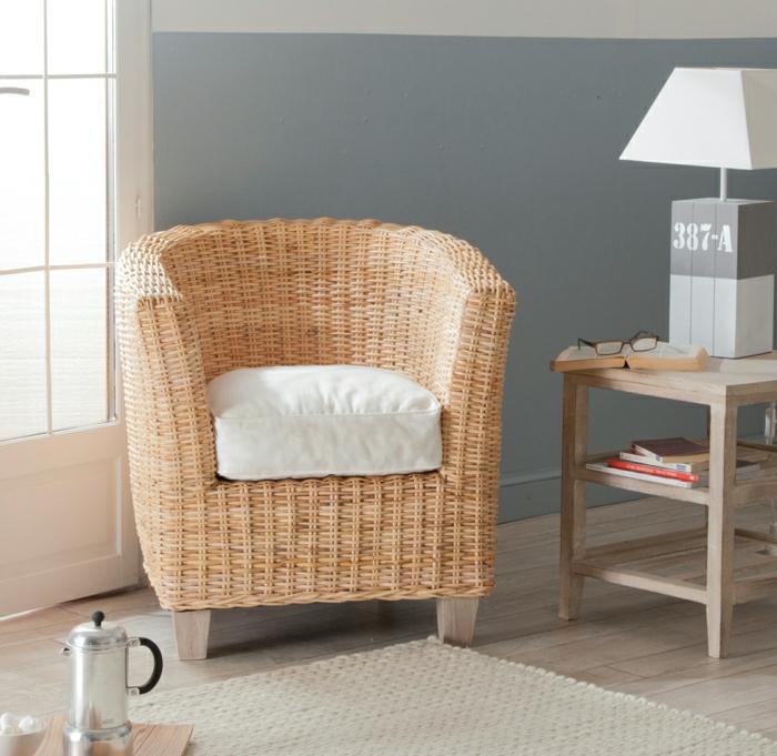 Rattan-Sessel-bequem-gemütlich-einfaches-Design-Loungesessel-fernsehsessel-weißer-Polster