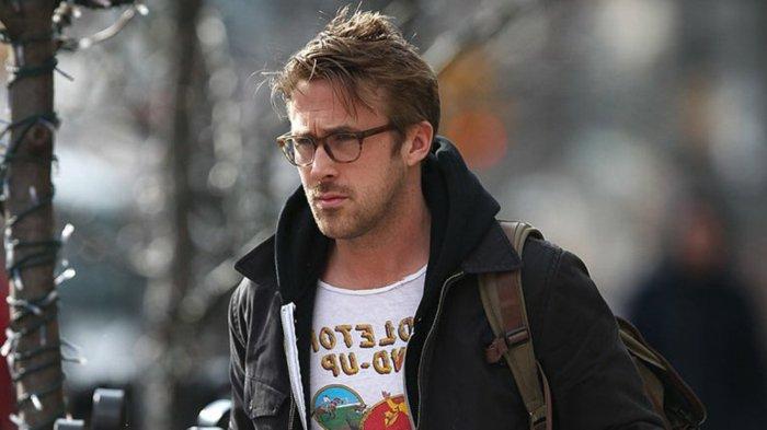 Ryan-Gosling-schwarze-Jacke-symoatisches-Modell-hornbrille