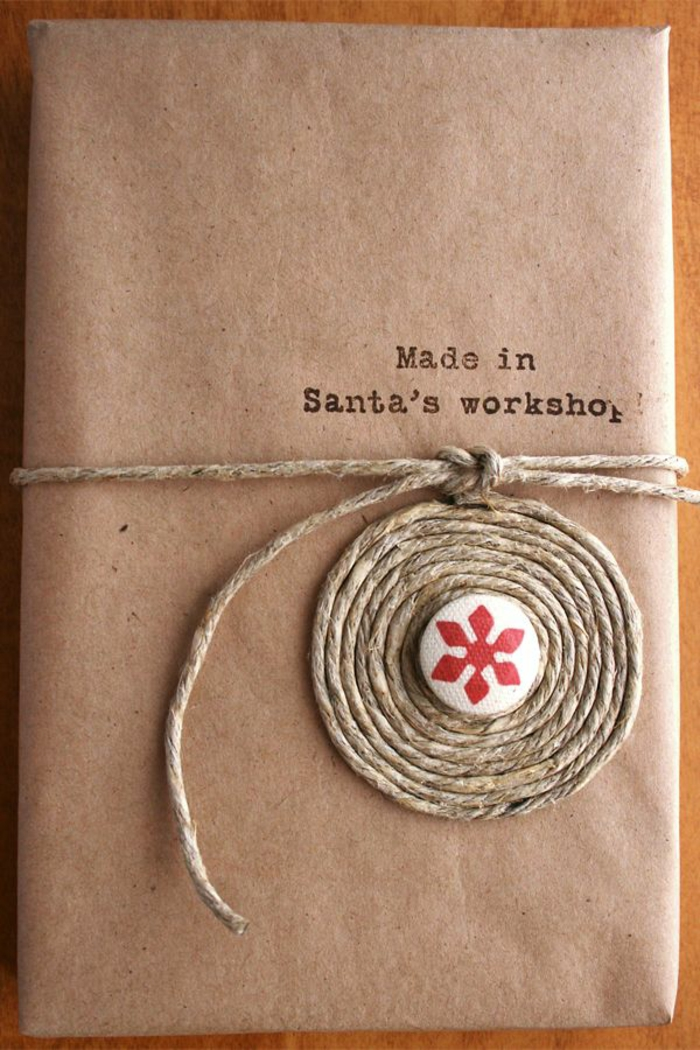 Weihnachtsgeschenk-originelle-Verpackung-Scnur-Dekoration