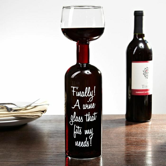 Weinflaschen-Weinglas-Weinetiketten-selbst-gestalten-Spruch