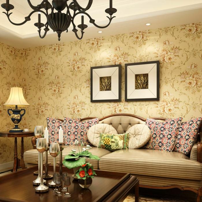 Wohnzimmer-gemütliches-Interieur-vintage-Tapeten-Wandbilder-Möbel-feines-Design