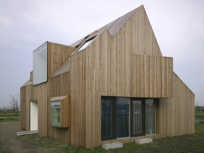 architekten-häuser-mit-satteldach-tolles-modell-aus-holz